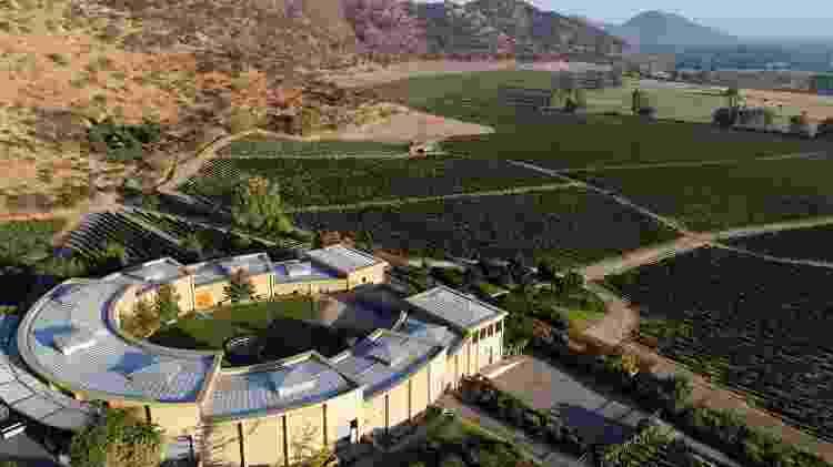 Vista da vinícola Haras de Pirque, no Chile, construída em forma de ferradura - Diuvlgação - Diuvlgação