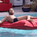 BBB 21: Gilberto curte tarde de sol na piscina - Reprodução/Globoplay