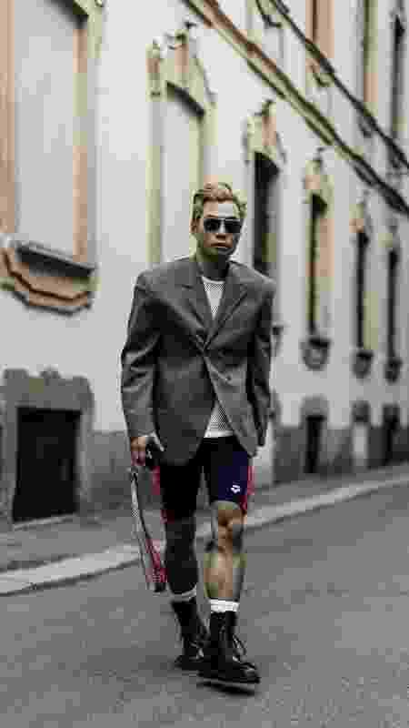 Biker shorts combinado com paletó - Reprodução/Instagram - Reprodução/Instagram