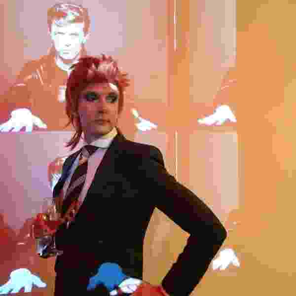 Professor David Bowie - Reprodução/Twitter/@willbrooker