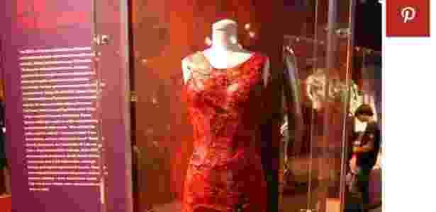 Vestido de carne, usado por Lady Gaga, exposto na Rock and Roll Hall of Fame - Reprodução/Pinterest