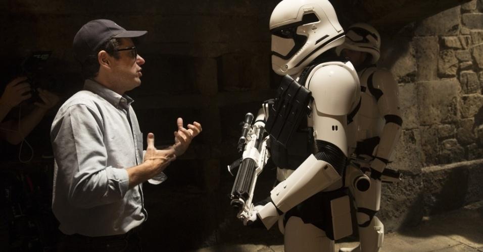 """9.nov.2015 - Estúdio divulga imagens dos bastidores de """"Star Wars: Episódio VII - O Despertar da Força"""". Filme estreia no dia 17 de dezembro"""