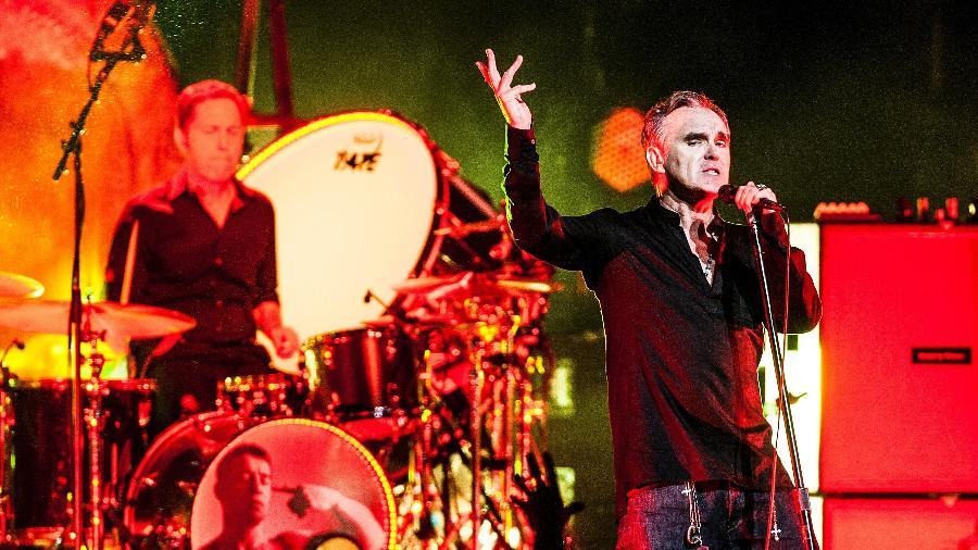 O cantor britânico Morrissey, ex-vocalista dos Smiths, se apresenta no Citibank Hall, em São Paulo, em 2015 - Lucas Lima/UOL