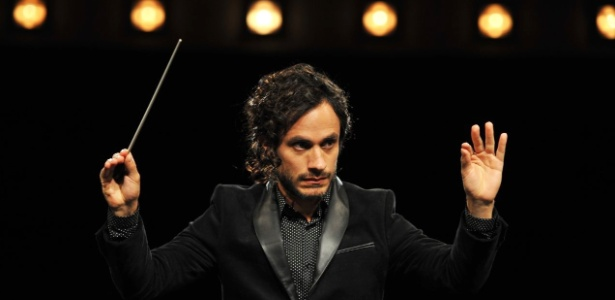 """Gael Garcia Bernal interpreta o maestro Rodrigo em """"Mozart in The Jungle"""", série da Amazon - Divulgação/Amazon"""