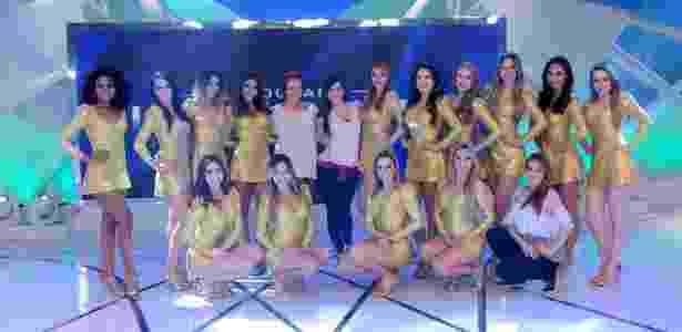 A coreógrafa Luciana Maradei (de crachá) com as bailarinas do SBT - Lourival Ribeiro/SBT - Lourival Ribeiro/SBT