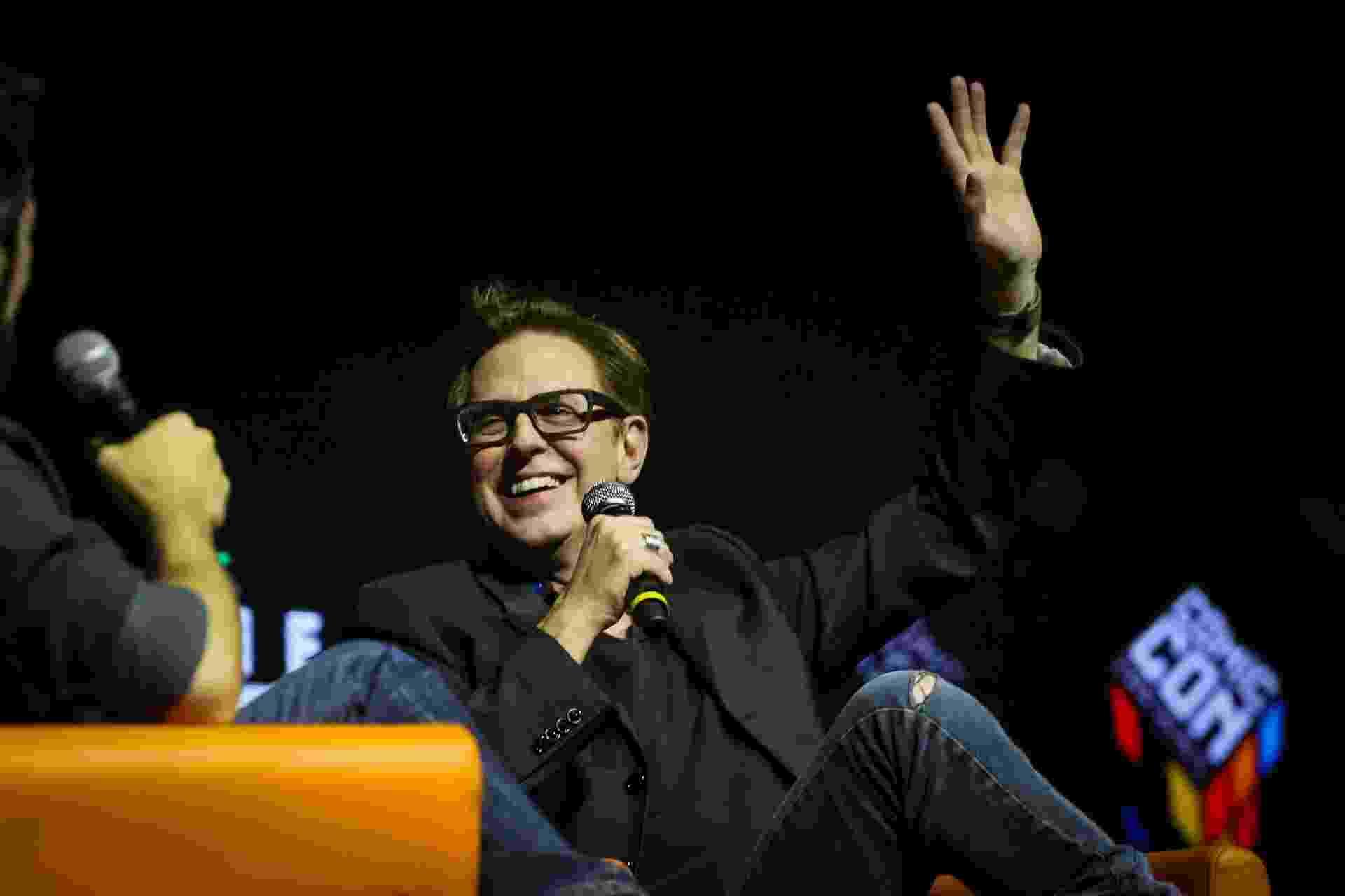 """3.dez.2016 - O diretor James Gunn foi uma das atrações mais esperadas da CCXP. Ele participou do painel sobre """"Guardiões da Galáxia 2"""", que tem estreia prevista para 4 de maio de 2017 - Edson Lopes Jr./UOL"""