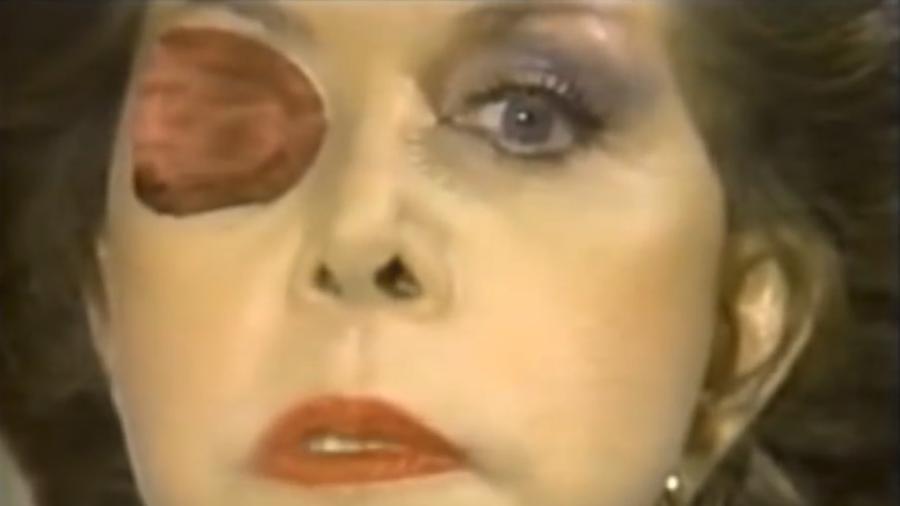 A atriz Maria Rubia como a vilã Catalina Creel - Reprodução/Youtube