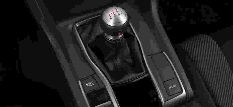 Até esportivos como o Honda Civic Si estão aposentando o câmbio manual - Murilo Góes/UOL