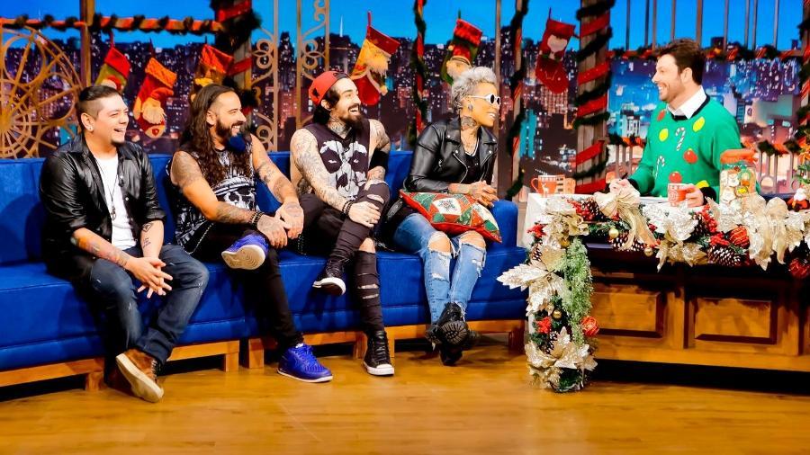 """Banda Malta é entrevista no programa """"The Noite"""" - Gabriel Cardoso/SBT"""