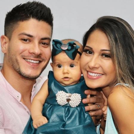 Arthur Aguiar, Sophia e Mayra Cardi - Reprodução/Instagram