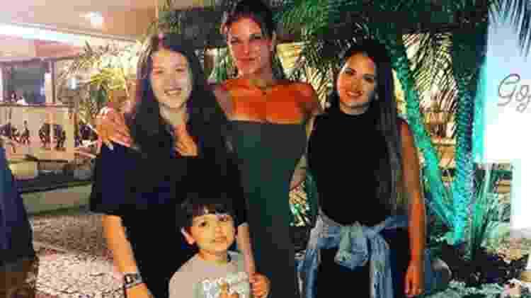Cristiana Oliveira com as filhas e o neto - Reprodução/Instagram