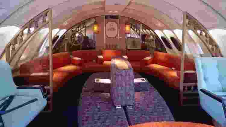 Área de avião da Qantas nos anos 70; já imaginou relaxar em um lugar assim durante um voo? - Divulgação/Boeing - Divulgação/Boeing