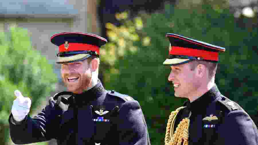 O príncipe Harry, duque de Sussex, com o irmão mais velho, o príncipe William, duque de Cambridge - Getty Images