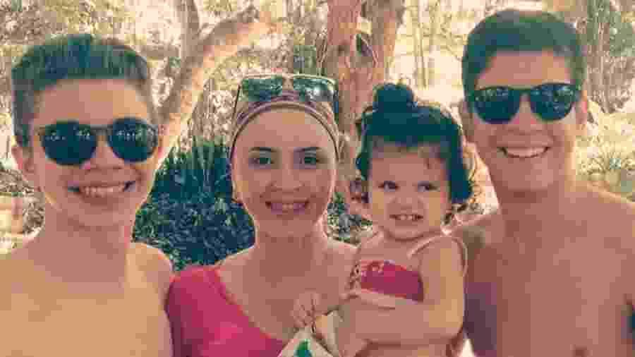 Guta com os filhos Davi (esq), Eva e Felipe - Arquivo pessoal