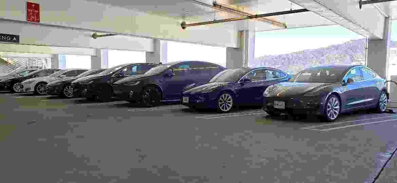 Ponto de recarga para carros da Tesla: marca luta para ser rentável - Vitor Matsubara/UOL
