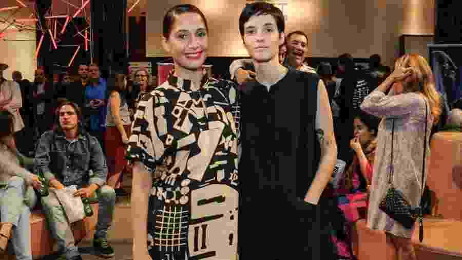 Camila Pitanga e a namorada, Beatriz Coelho, prestigiam pré-estreia do filme Uma Garota Chamada Marina no Rio - Webert Belecio / AgNews