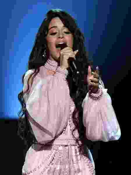Camila Cabello apresenta a canção First Man no Grammy 2020 - Kevin Winter/Getty Images for The Recording Academy