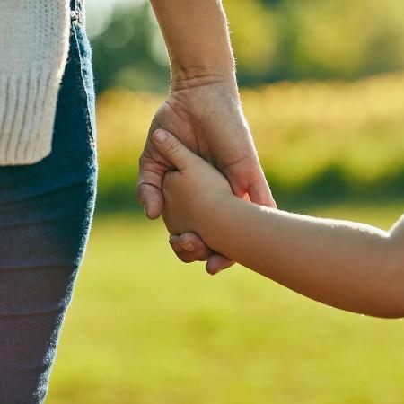 Governo quer facilitar o acolhimento de crianças sob tutela do Estado - iStock