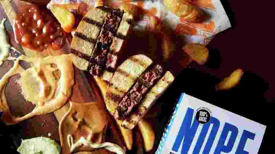 O hambúrguer: ingredientes extras vão no blend da carne - Reprodução Instagram