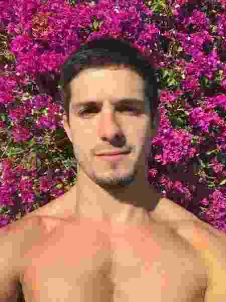 O ator Igor Cosso, que se assumiu gay em junho deste ano - Reprodução/Instagram