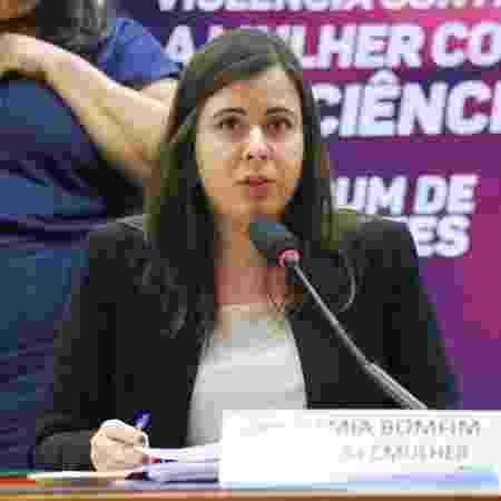 A deputada federal Sâmia Bomfim (PSOL-SP), grávida de sete meses, é coautora dos projeto de lei que pedem afastamento de gestantes do trabalho e também prioridade na vacinação - Vinícius Loures/Câmara dos Deputados - Vinícius Loures/Câmara dos Deputados