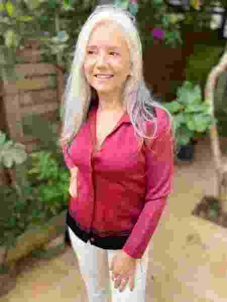 Maria de Lourdes Zanettini Martins com o casaco - Arquivo Pessoal - Arquivo Pessoal