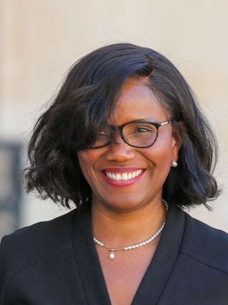 Elisabeth Moreno, do Ministério pela Igualdade de Gênero da França, assinou carta pelo fim das restrições ao aborto - NurPhoto via Getty Images