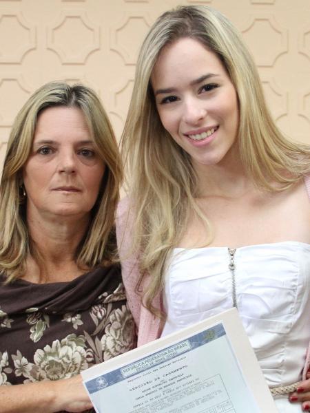 Mãe de André representou o filho no dia do casamento com Carla Beattriz - arquivo pessoal