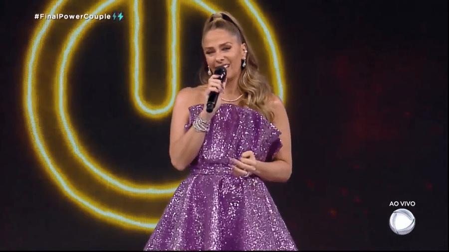 """Adriane Galisteu na final do """"Power Couple"""" - Reprodução/Record TV"""