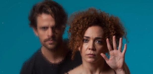 """Laila Garin e Alejandro Claveaux na peça """"Gota d""""Água (a seco)"""" - Reprodução/Facebook"""