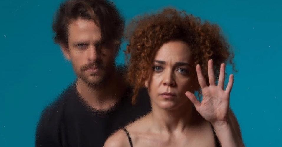 "Laila Garin e Alejandro Claveaux na peça ""Gota d'Água (a seco)"""