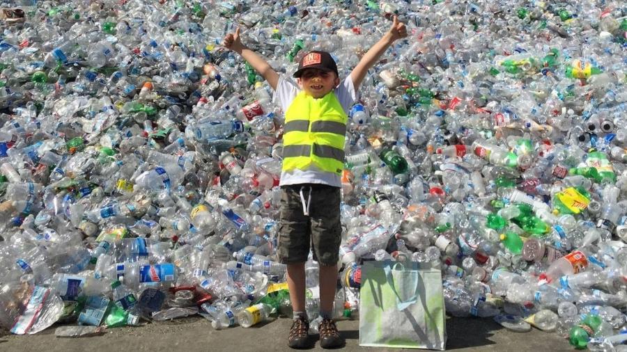 Aos sete anos, o americano Ryan Hickman tem a sua empresa de reciclagem de lixo - Reprodução/Facebook