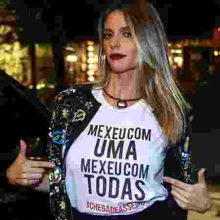 Fernanda Lima com a camiseta da campanha das funcionárias da Globo - Raphael Castello/AgNews - Raphael Castello/AgNews