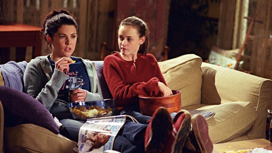 """Lorelai e Rory adoravam fazer maratonas juntas em """"Gilmore Girls"""" - Divulgação"""