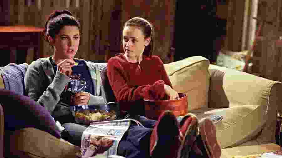 """Mesmo uma relação próxima como a de Lorelai (Lauren Graham) e Rory (Alexis Bledel) em """"Gilmore Girls"""" tem seus altos e baixos - Divulgação"""