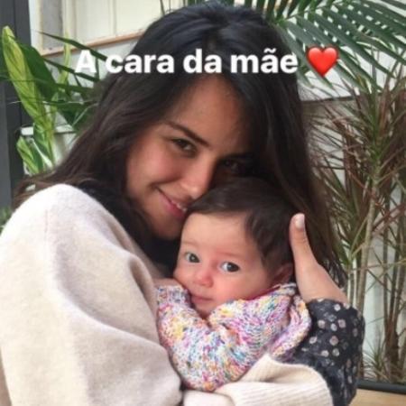 Bruno Gissoni tira foto de Yanna Lavigne com a filha deles, Madalena - Reprodução/Instagram/brunogissoni