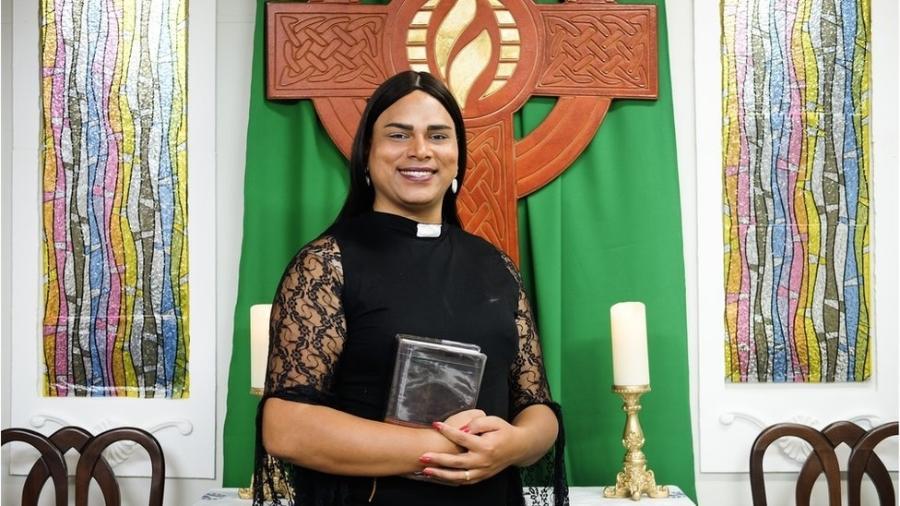 Até fim do ano, Alexya deve tornar-se primeira reverenda trans da ICM (Igreja Cristã Metropolitana) na América Latina - Isadora Brant/BBC Brasil
