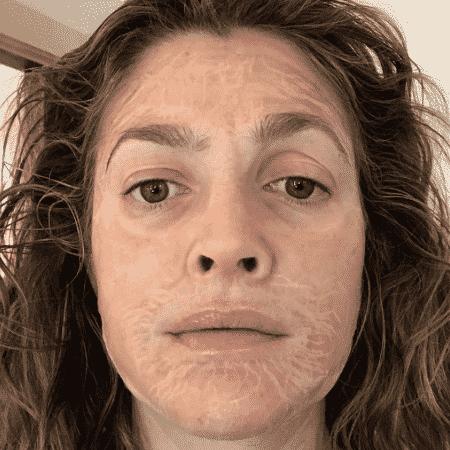 Drew Barrymore e a máscara que a deixa com rugas temporárias - Reprodução/Instagram