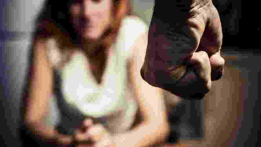 Projeto de lei da Câmara (PL 510/2019), que assegura prioridade nos processos judiciais de separação ou divórcio à mulher vítima de violência doméstica - Getty Images