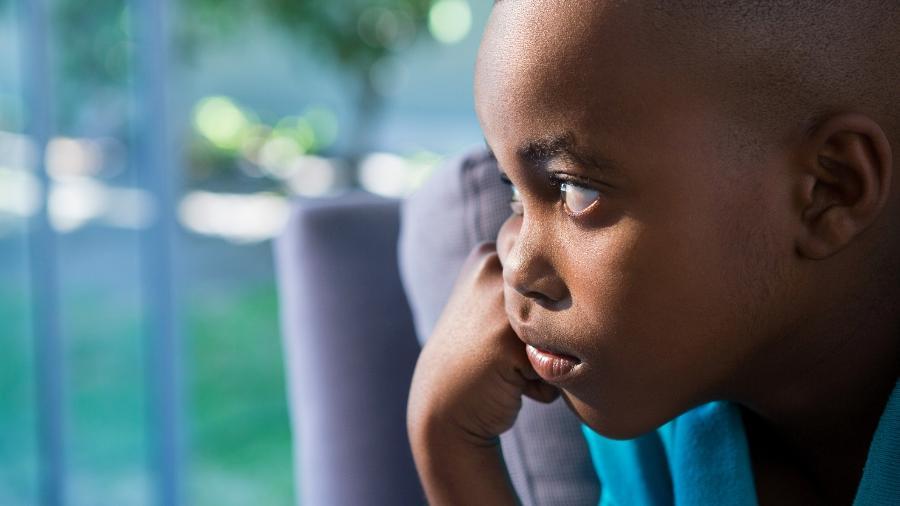 Quando seu filho faz alguma coisa errada, você o coloca no cantinho para pensar no que fez?  - Getty Images