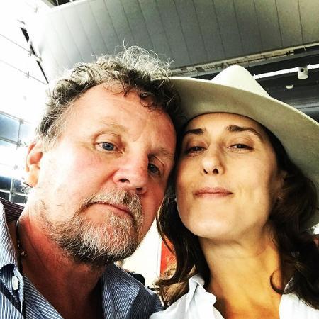 Paola Carosella posa ao lado do namorado, o fotógrafo irlandês Jason Lowe - Reprodução/Instagram