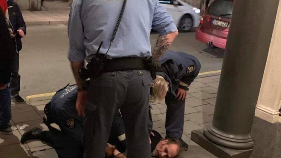 Após confusão, Peter Murphy é detido por policiais em show na Suécia - Divulgação/4AD/Tom Holmlund