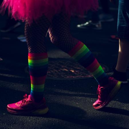 Na Inglaterra, homem vai com namorada à festa LGBT e ambos não sabiam disso - iStockphoto/Getty Images