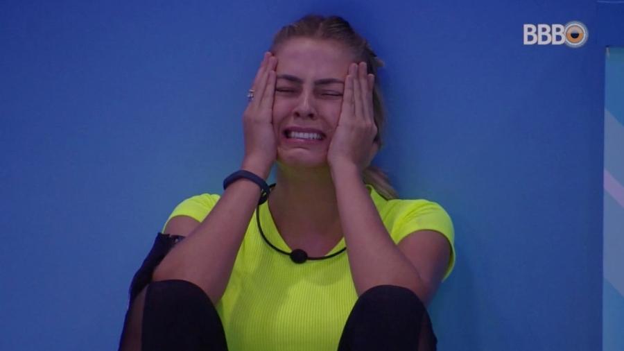 Isabella se emociona depois de vencer a prova do anjo - Reprodução/GloboPlay