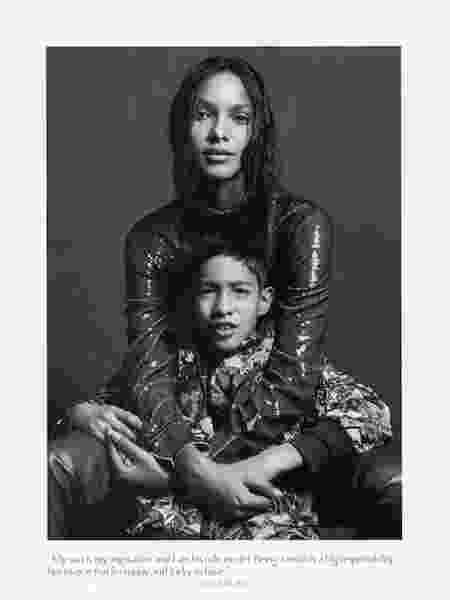"""Lais Ribeiro e filho Alexandre na """"Vogue Italia"""", em foto de Mario Sorrenti - Divulgação - Divulgação"""