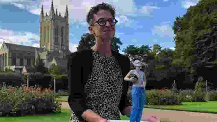 O'Riordan ganhou uma estátua em sua homenagem no ano passado, localizada nos jardins da abadia de Bury St Edmunds - Dermot O'Riordan - Dermot O'Riordan