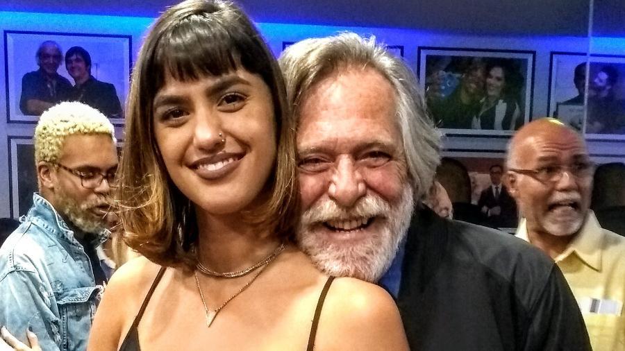 José de Abreu com   namorada, a maquiadora Carol Junger  - Cristina Granato/Divulgação