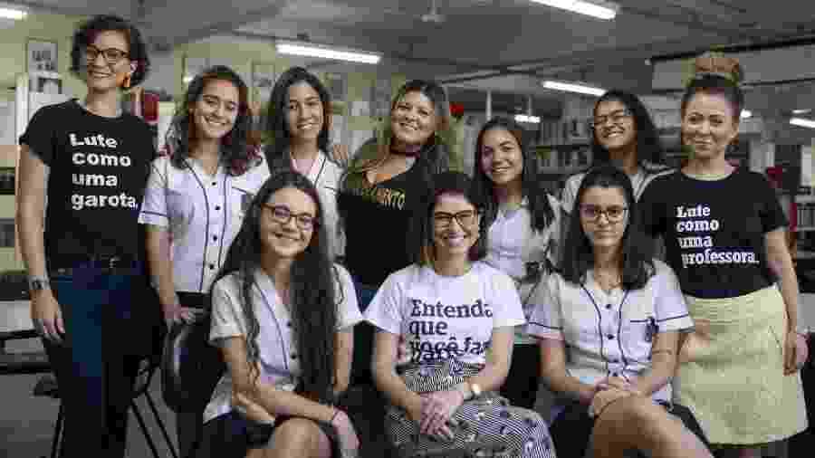 Discutir livros escritos por mulheres e assuntos de feminismo as fez mudar o jeito de encarar a vida fora da sala de aula - Lucas Landau/ UOL