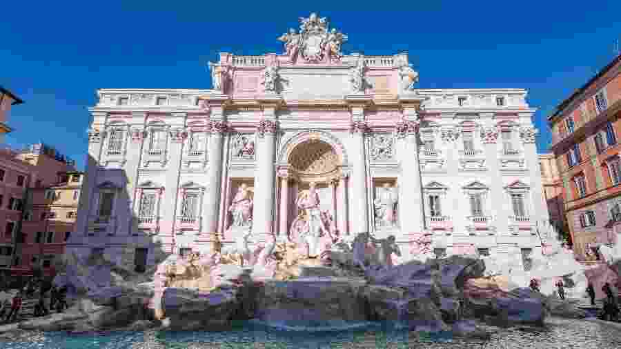 Turistas na Fontana di Trevi, em Roma: um dos lugares para tentar a sorte - Unsplash