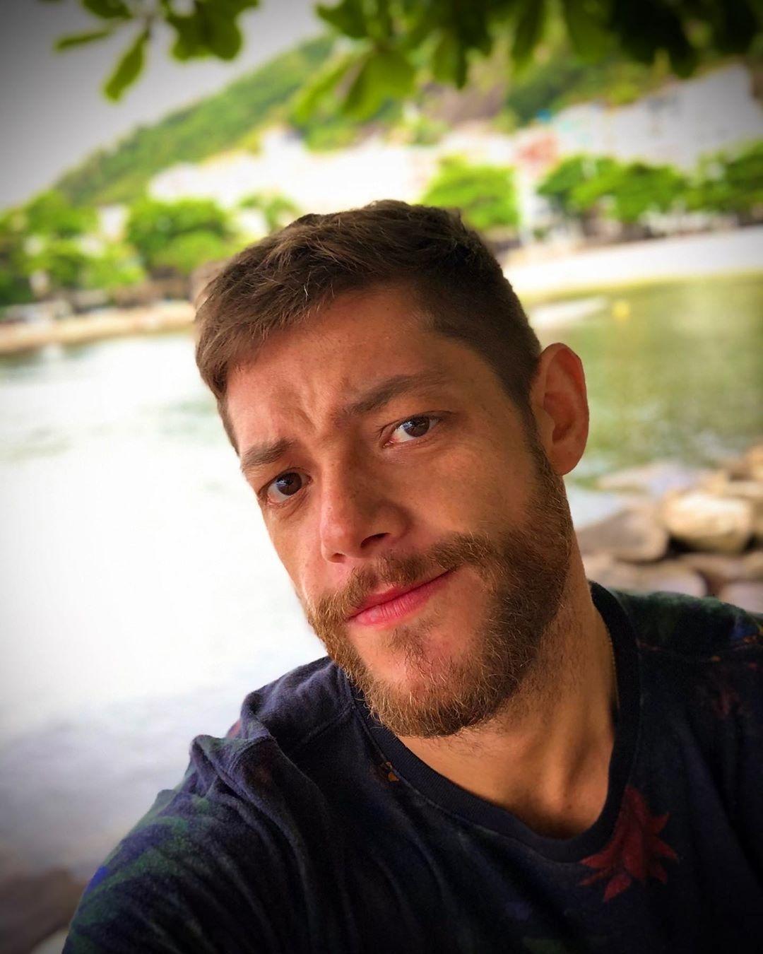 Ator Porno Brasileiro Bruno morre bruno lima penido, roteirista de malhação e verdades